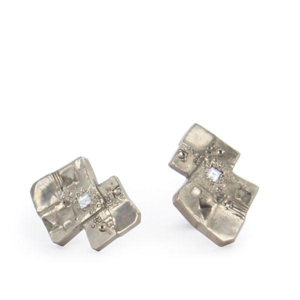 Boucles d'Oreilles Double Carré Or Gris Martelées avec Diamants
