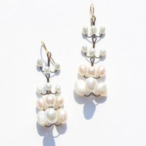 Boucles d'oreilles Vahiné perles blanches