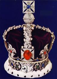 Spinelle (sous le nom de rubis du prince noir) sur la couronne d'Angleterre